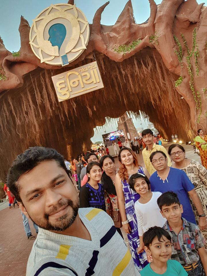 Image may contain: 10 people, including Sharanam Shah, Vaishali Sharanam Shah, Chaitanya Shah and Gopi Shah, people smiling